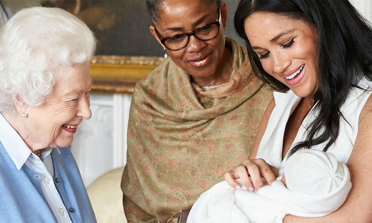 ميغان ماركل منعت والدتها من حمل طفلها أرشي هاريسون