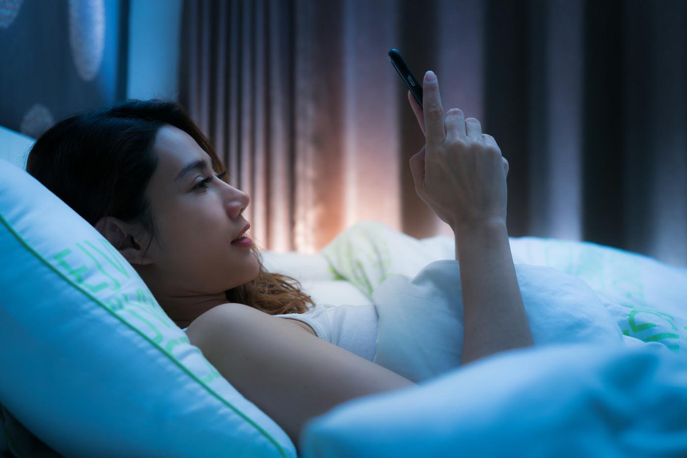 تحذير .. قلة نوم المراهقين تسبب انحراف جنسي