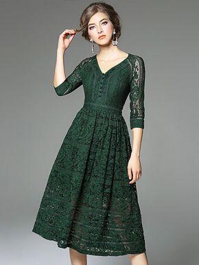 فستان دانتيل اخضر