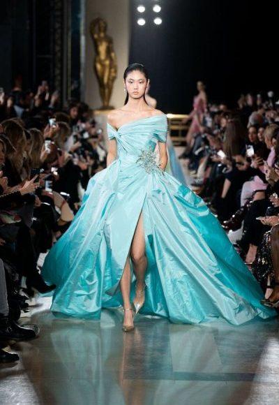 فستان سهرة طويل باللون الأزرق السماوي