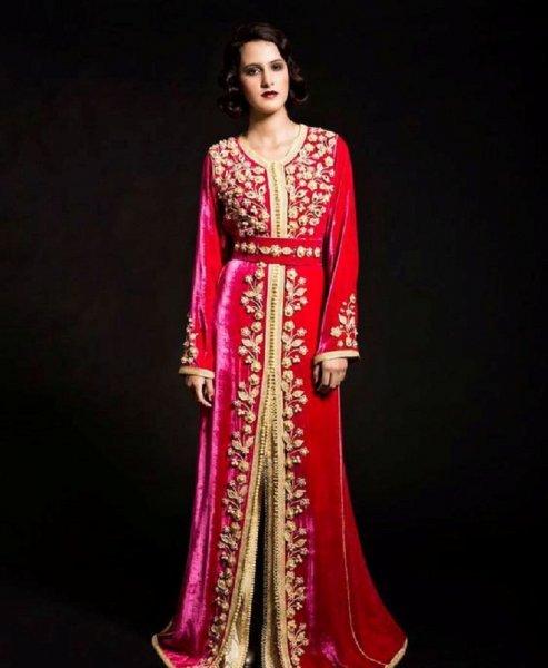 أجمل القفاطين من اللون الأحمر للعرائس