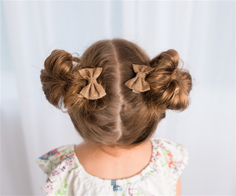 أجمل طرق تصفيف الشعر للفتيات الصغيرات
