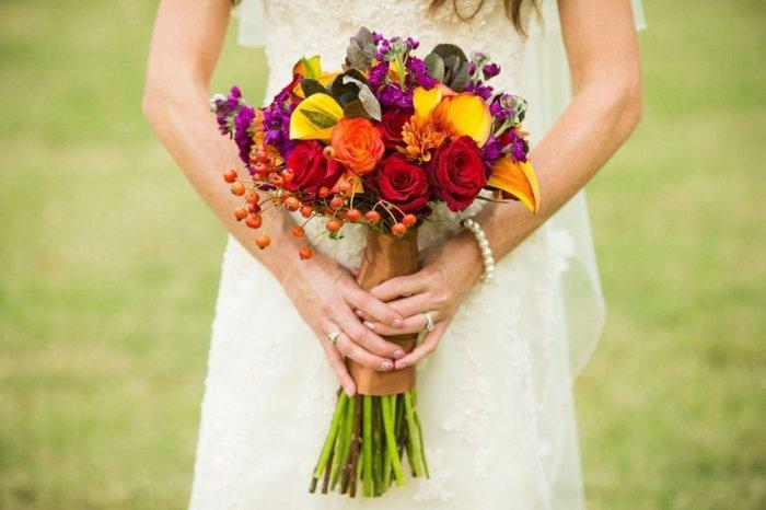 اشكال باقة ورد احمر واصفر للاعراس الراقية