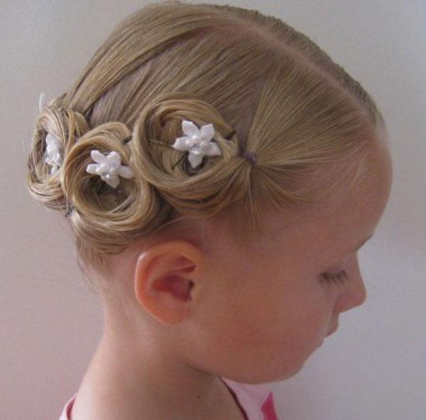 أشكال مختلفة من التسريحات لصاحبات الشعر القصير
