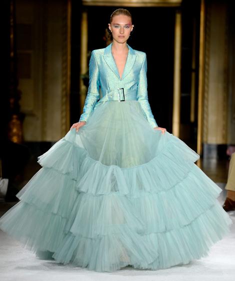 فستان بالوان زاهية