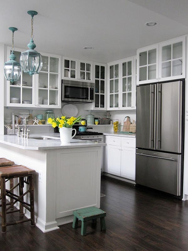 تصميم أمريكي مميز لمطبخ عصري مفتوح على الريسبشن
