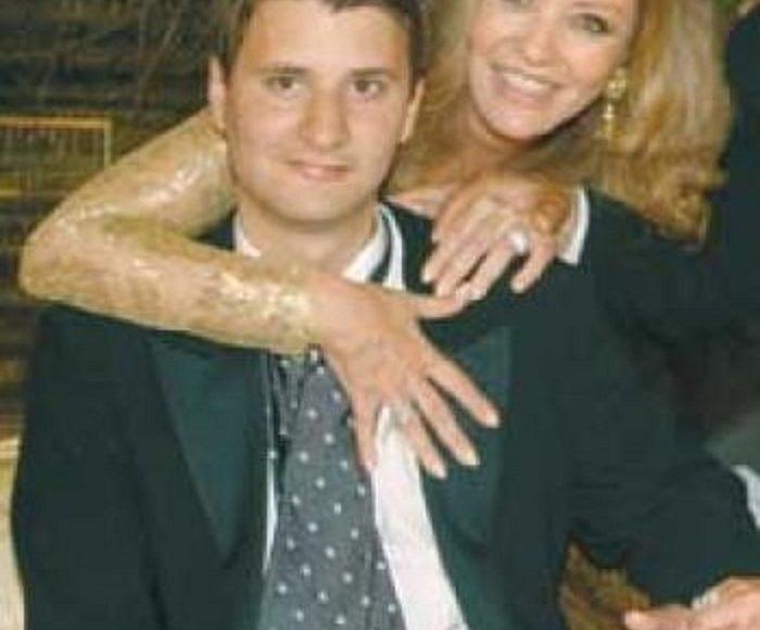 جورجينا مع ابنها الكبير علي