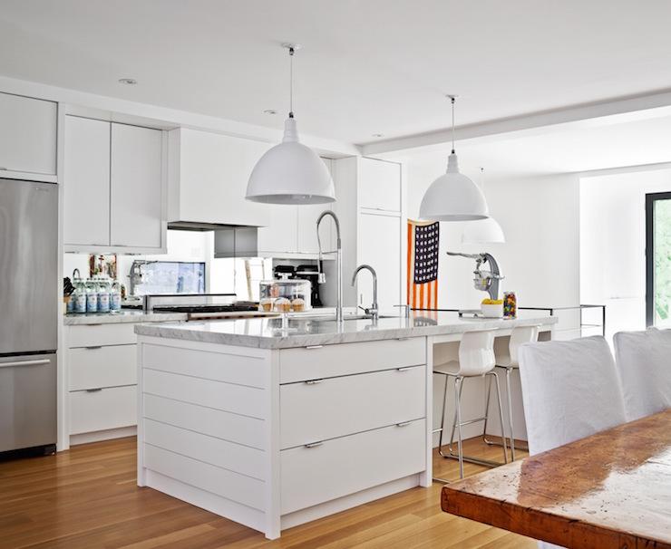 ديكور مطبخ امريكي من اللون الأبيض مفتوح