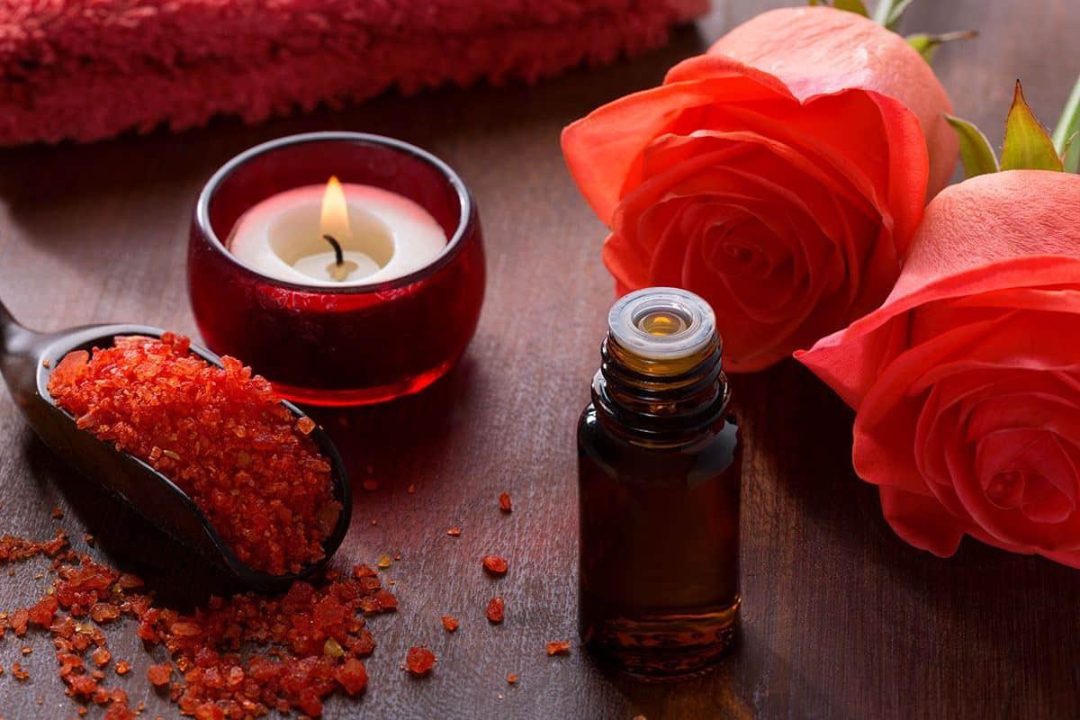 زيت الورد وتأثيره الساحر في جمال العروس