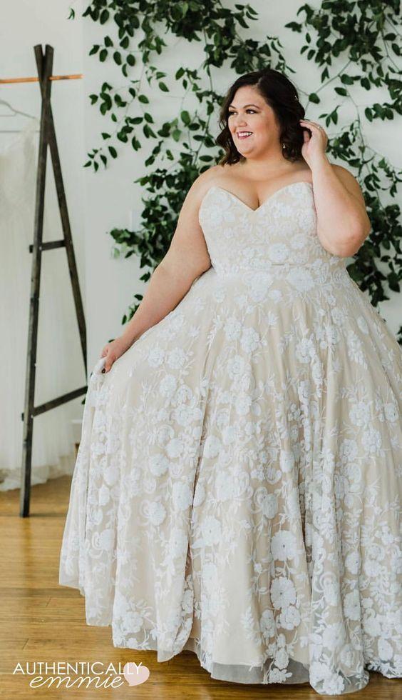 احدث فساتين زفاف للسمينات باكمام طويلة 2019 الراقية