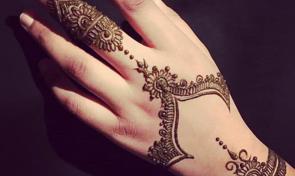صور نقش الحناء Hand Henna Legs 14