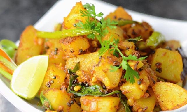 وصفة البطاطس بالكركم والسمسم ذات المذاق الحار