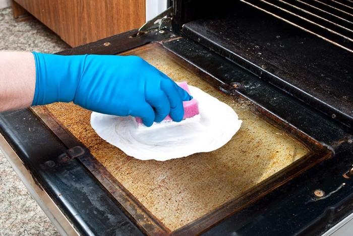 طريقة تنظيف زجاج فرن البوتاجاز
