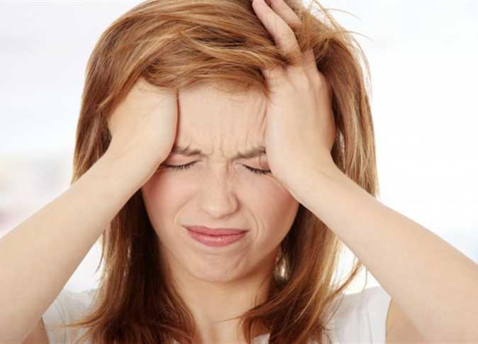 مسببات صداع اعلى الرأس وطرق علاجه