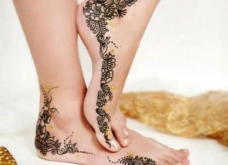 أشكال رسومات حناء رقيقة للأقدام