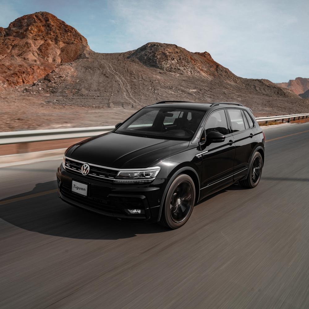 فولكس واجن تكشف عن باقة تصميم مميزة باللون الأسود لسيارة تيغوان