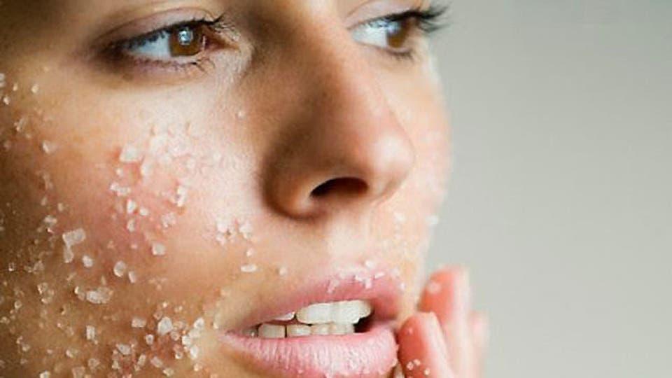 أفضل الخلطات لتقشير الجسم والتخلص من الجلد الميت