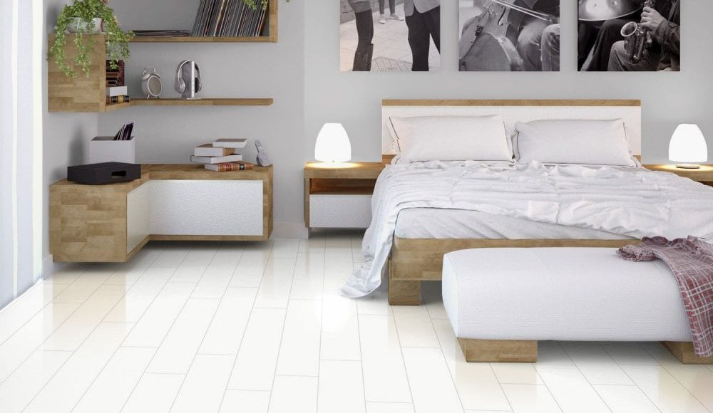 صور ديكورات غرف نوم بيضاء مودرن مع أرضيات باركيه