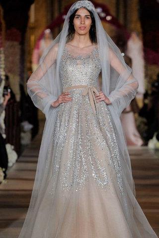 أحدث موديلات فساتين الزفاف خلال أسبوع الموضة في نيويورك 2020