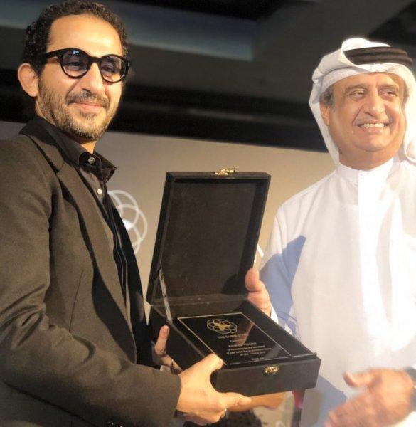 أحمد حلمي يُكرم في دبي