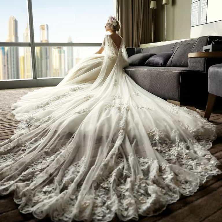 أرقى تصميمات فساتين الزفاف لعروس 2020