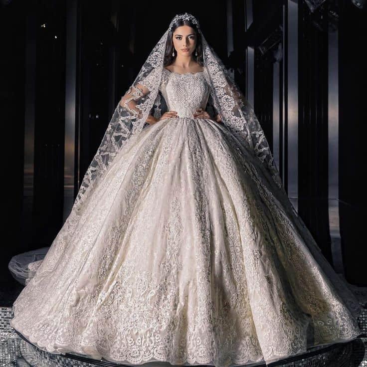 أشكال فساتين أعراس فخمة للعروس الخليجية موضة 2020