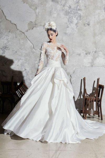 استوحي إطلالتك خلال حفل زفافك من فساتين زفاف موضة 2020