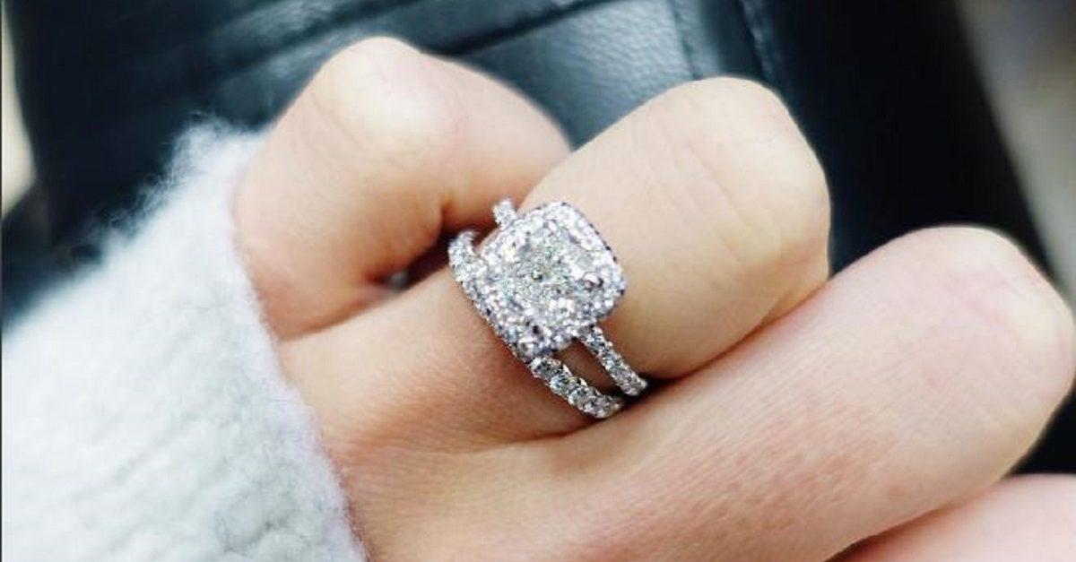الأناقة المتناهية ميزة الدبل المصنوعة من الماس