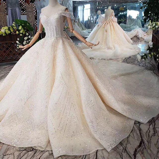 التنورة المنفوشة أجمل ما يميز فساتين زفاف 2020