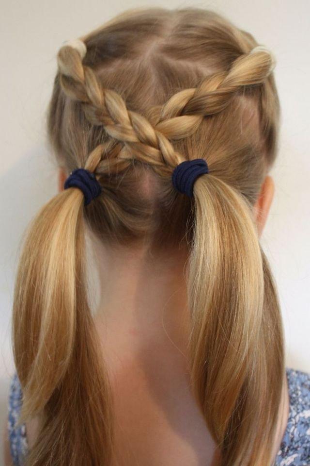 الجمالية المتناهية لتسريحات شعر الفتيات ذات الأعمار المتفاوتة