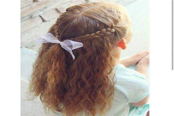الشعر الكيرلي ومايناسبه من تسريحات
