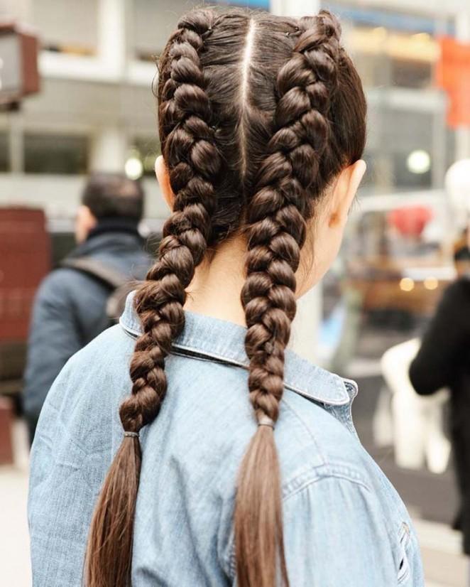 الضفيرة الطويلة من أكثر التسريحات العملية لذوات الشعر الطويل