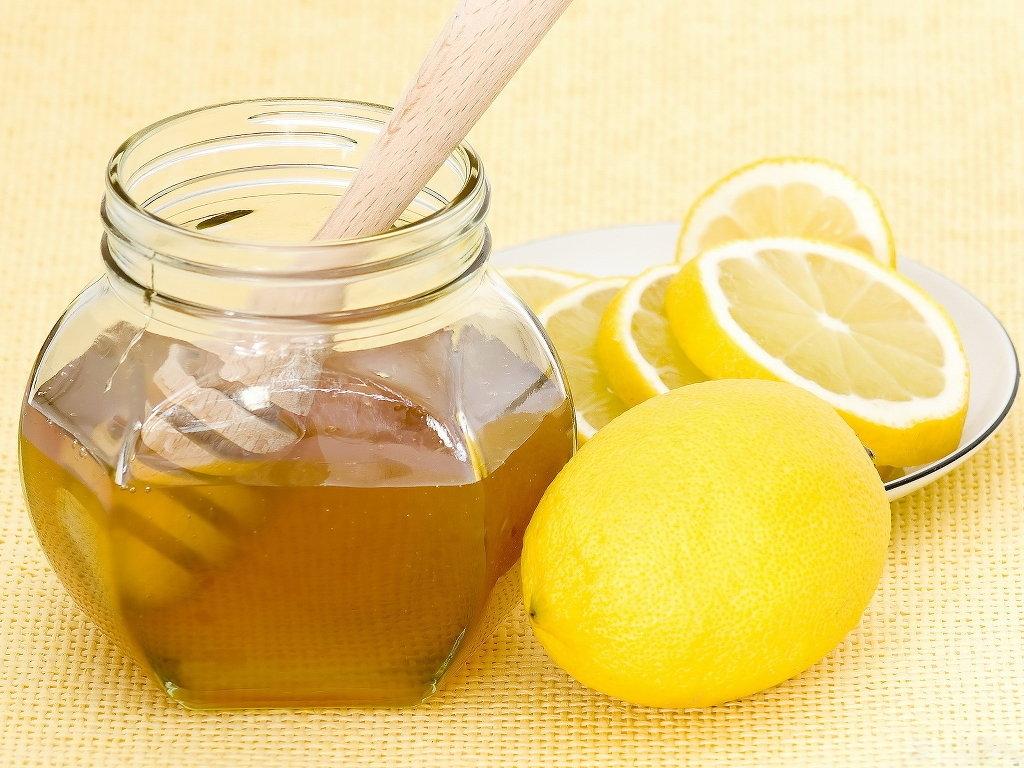 فوائد العسل والليمون في التخلص من السعال