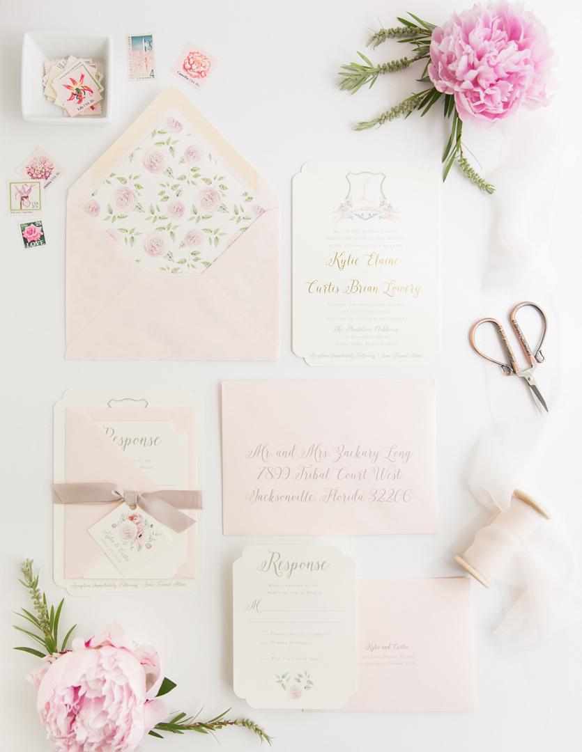 اللون الوردي من أجمل الألوان التي يُمكنك اعتمادها لثيمة العُرس