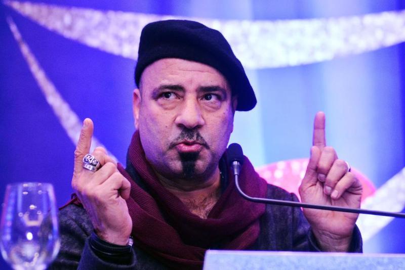 انسحاب محمد سعد من مسرحية علاء الدين يضع فريق العمل في ازمة