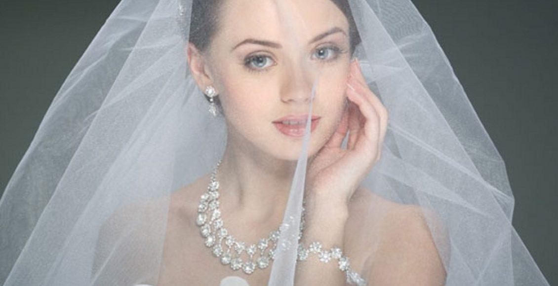 قبل الزواج بأسبوع يوجد بعض من الأساسيات الهامة التى تشغل بال العروس كثيرا عن تجهيزات الحفلة وفستان الفرح والفرش وغيرها