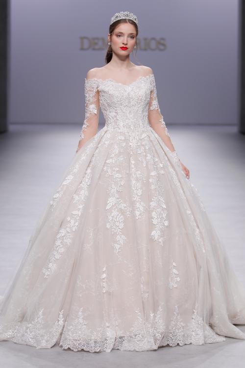 تصميمات فساتين زفاف مميزة