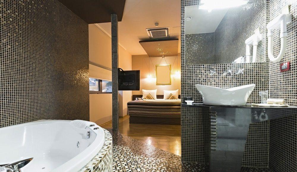 حمامات خاصة لغرف النوم