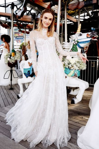 دار Lela rose تبدع في تصميم فساتين الزفاف