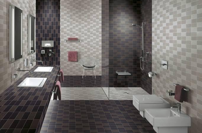 صورة ديكور حمام بالسيراميك باللون الاسود