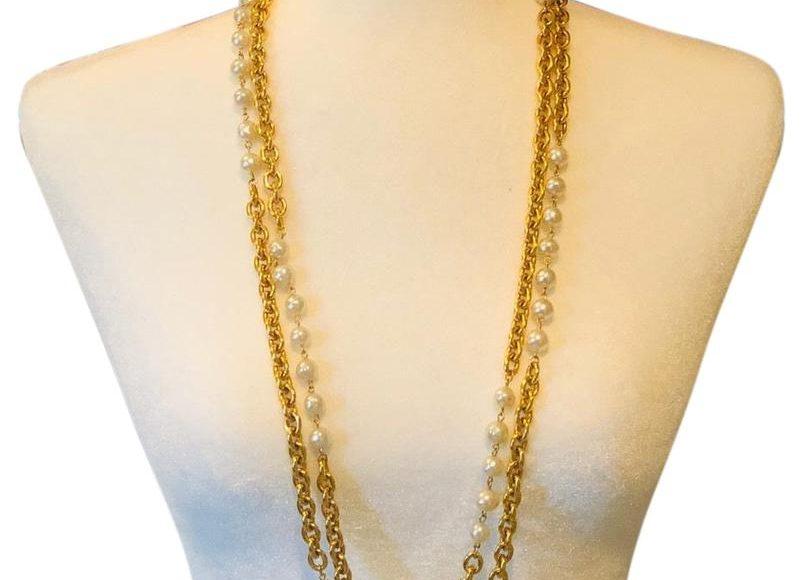صورة تصميم سلسلة ذهبية طويلة
