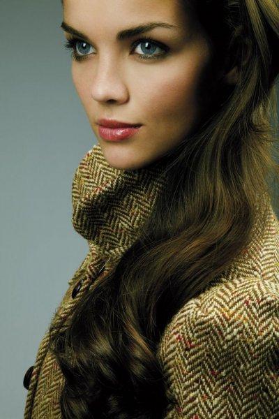 صبغة الشعر الزيتية الداكنة