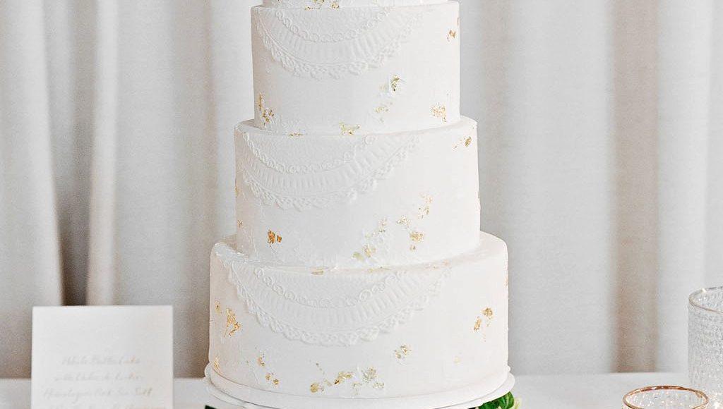 ثيمات زفاف باللون الأبيض