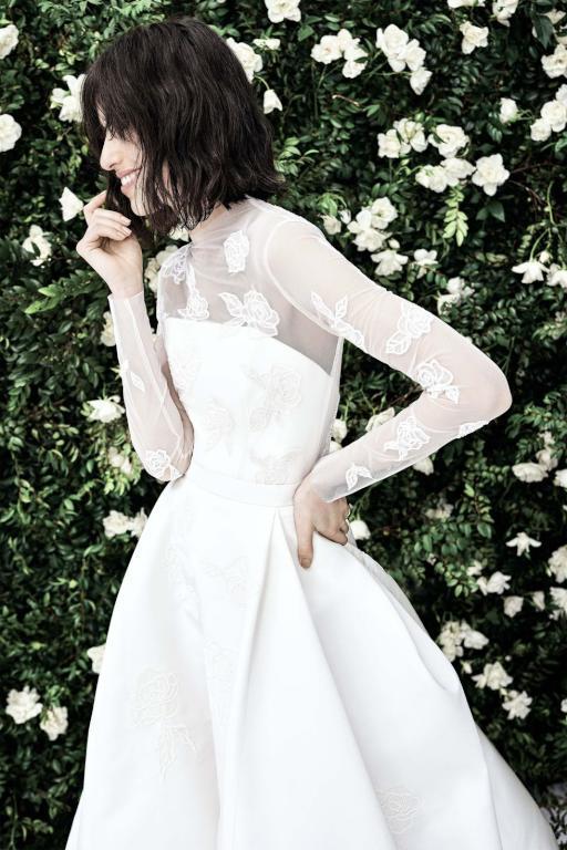 صور لفساتين زفاف ذات طابعًا ناعمًا