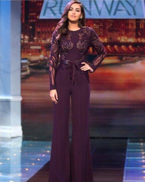 فاليري أبو شقرا بإطلالة مميزة تظهر بها مرتدية جمبسوت باللون البنفسجي