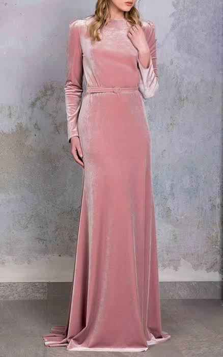 فستان سواريه باللون الكاشمير مناسب للمحجبات