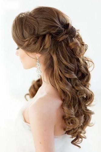 كيفية تصفيف شعر العروس الطويل بشكل أنيق