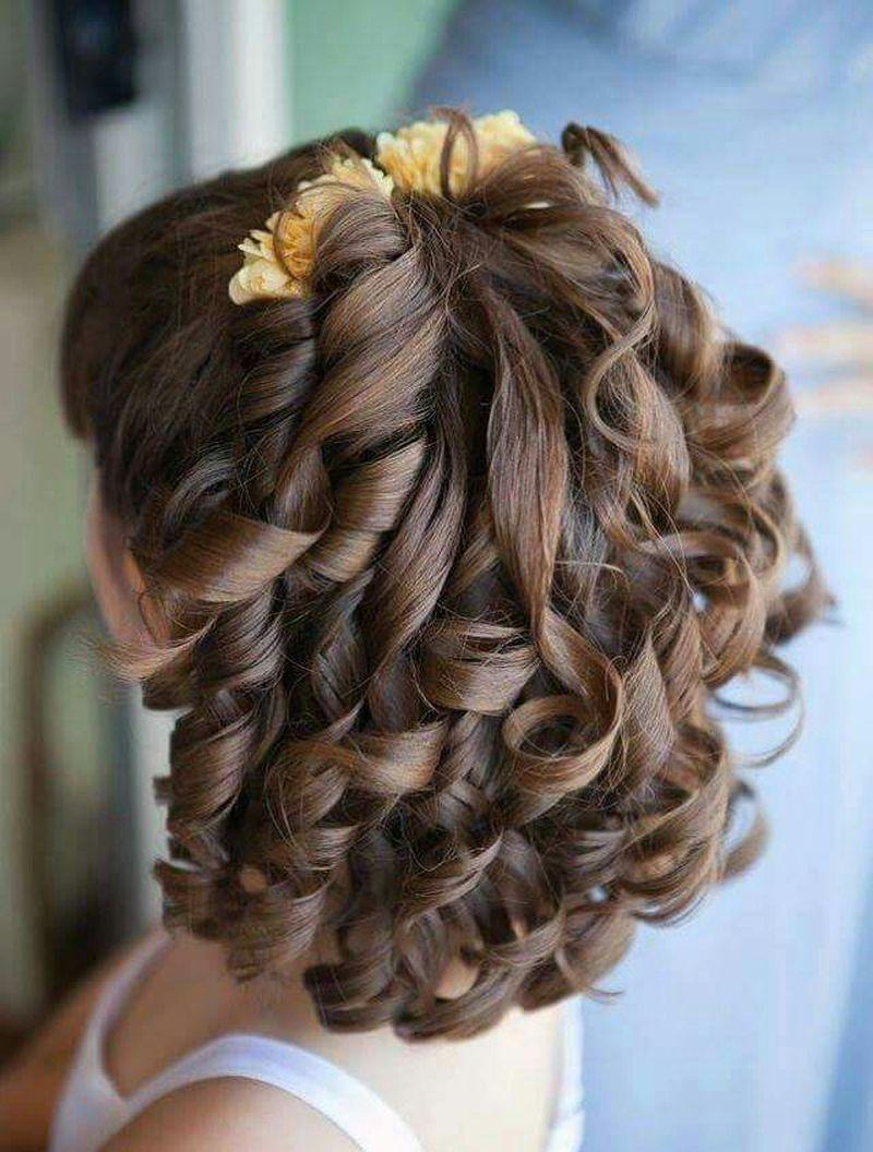 لفائف الشعر المميزة للفتيات الصغيرات