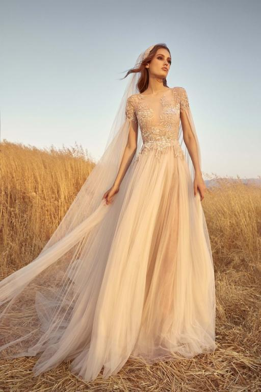 موديل فستان زفاف ذو طابعًا راقيًا من توقيع زهير مراد