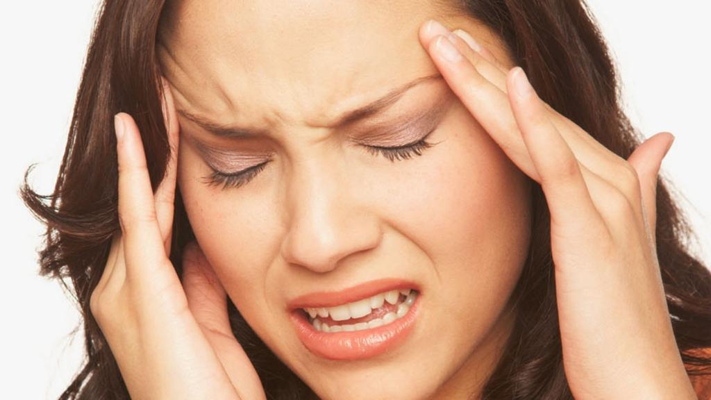 أسباب الإصابة بالصداع في مقدمة الرأس
